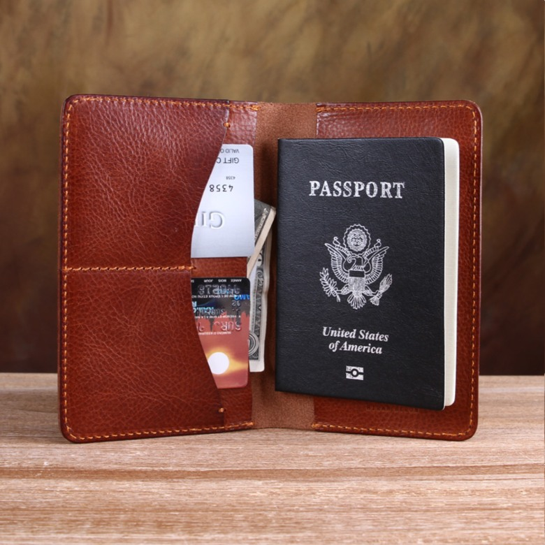 Italian Vegetable Tanned Leather Passport Holder