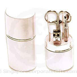 Manicure Set in Aluminium Tube